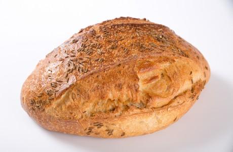 לחם שאור קימל - קמח חיטה על בסיס מחמצת בתוספת זרעי קימל