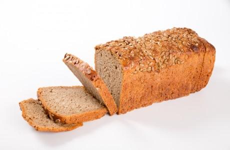 לחם שיפון חמניות - קמח שיפון מלא על בסיס מחמצת בתוספת גרעיני חמנייה, בעל מרקם לח ודחוס,עשיר במינרליים וסיביים תזונתיים
